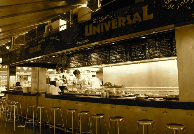 Want to know where to eat at Barcelona's La Boquería? Universal Kiosk is it!