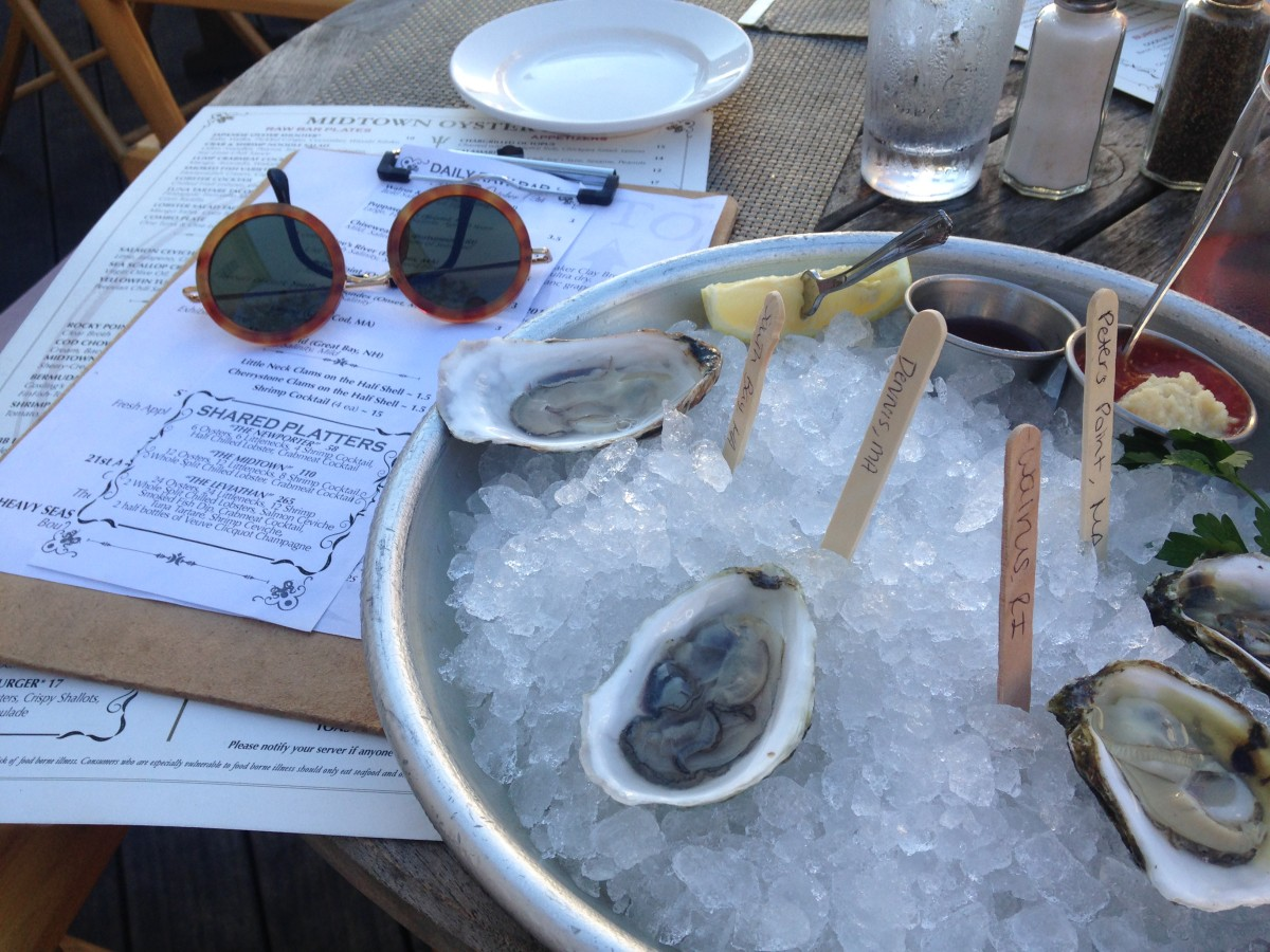 Midtown Oyster Bar: Where to Eat in Newport, RI