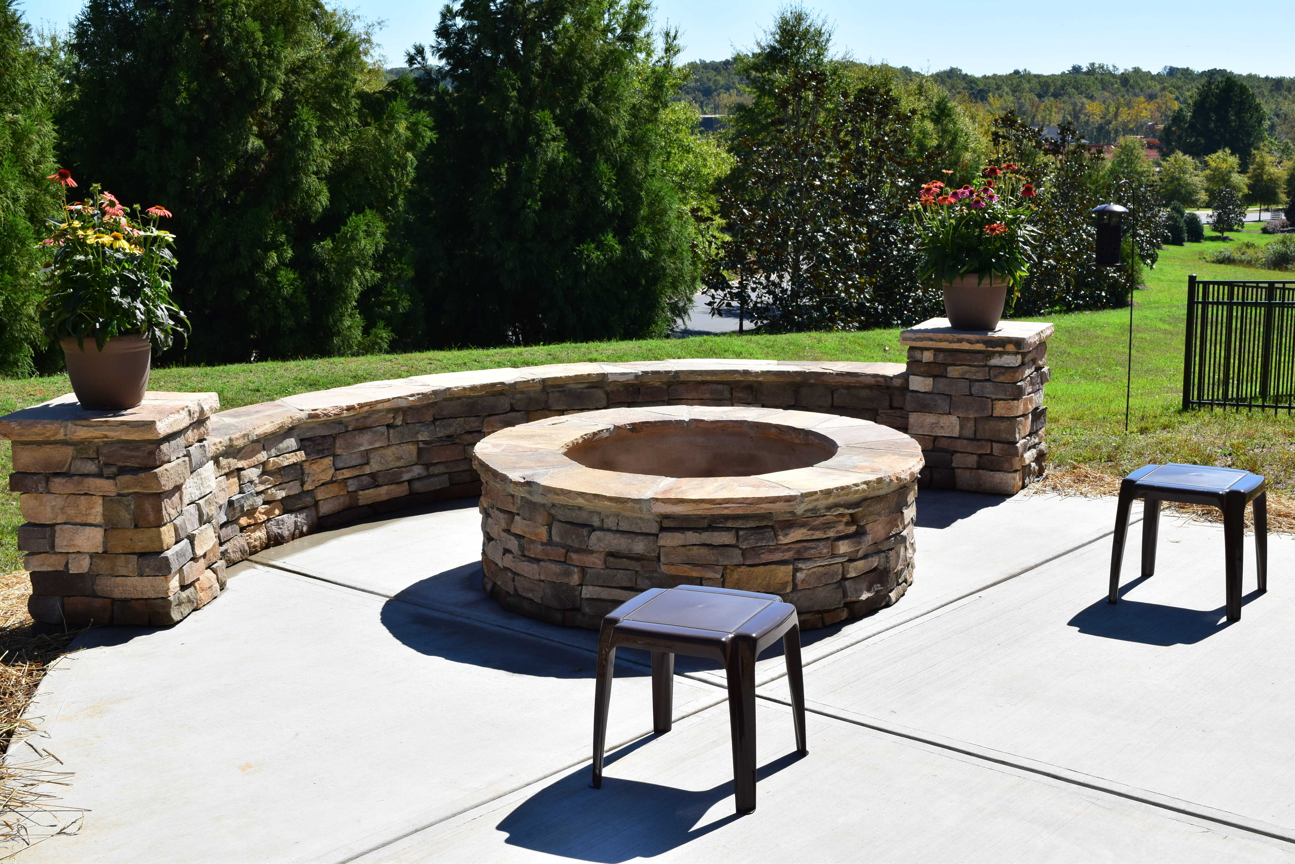 Flossy Stone Fire Pit Lake Norman Stone Fire Pit Bench Stone Fire Pit Gas Nc Patio Stone Fire Pit Charlotte Screen Porch Patio houzz-03 Stone Fire Pit