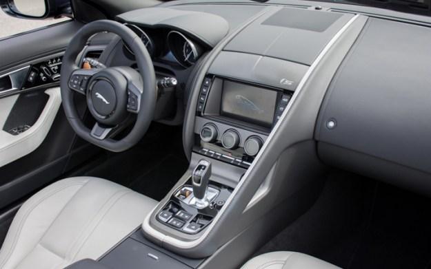 2017-Jaguar-F-Type-S-Convertible-5