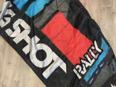 Voilerie J'ai cassé ma voile brest - réparation aile de kitesurf Slingshot rally spi déchirée répararée