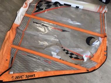 Voilerie J'ai cassé ma voile brest - réparation voile de windsurf changement de panneau monofilm Bic one design