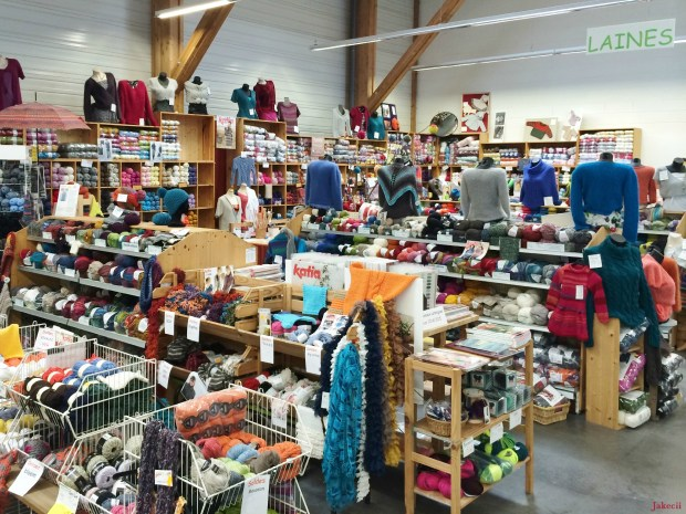 Vente de laines à Rennes - Ecolaines - Tricot 1 - Jakecii
