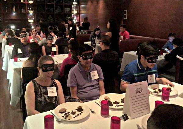 eye-society-dinner-in-the-dark-51
