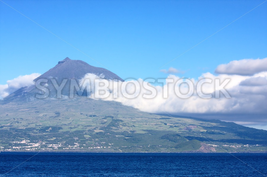 Pico volcano Azores - Jan Brons Stock Images