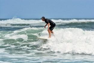 Surfing_Bethells_Beach-New_Zealand_DSC_2443_Small