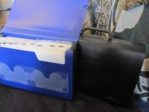 2 styles of accordion folders