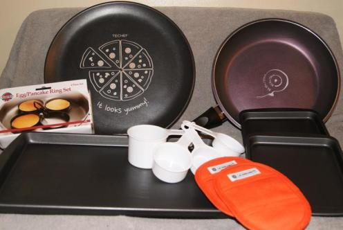 Make Mealtime Less Daunting With DuPont Teflon Products!! #GiftGuide