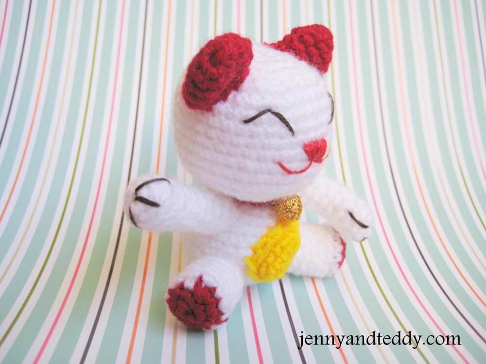 Cat amigurumi free pattern : Lucky cat crochet amigurumi free pattern