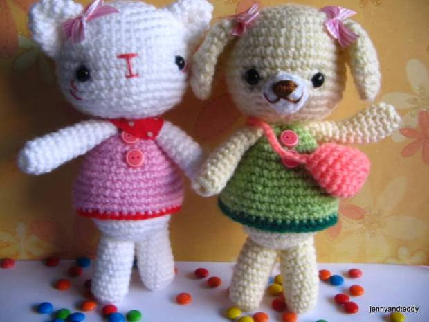 Amigurumi Crochet Pattern : Emma sweet little bear and emily kitten free amigurumi crochet pattern