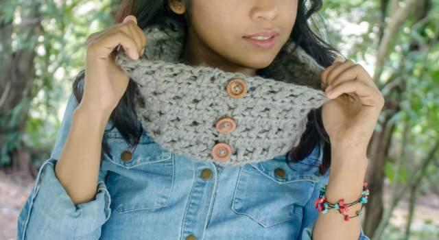 free crochet pattern one skein criss cross cowl for beginner