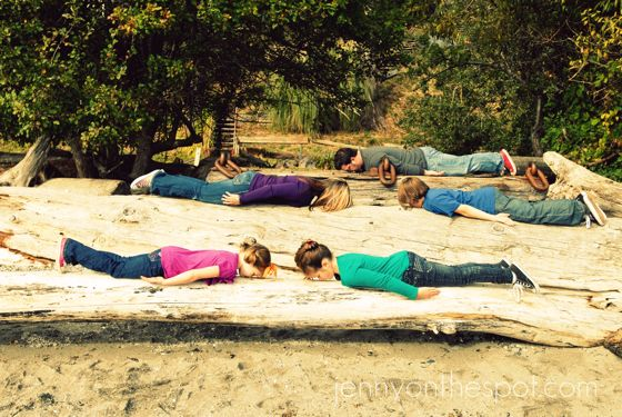 The family that planks together...