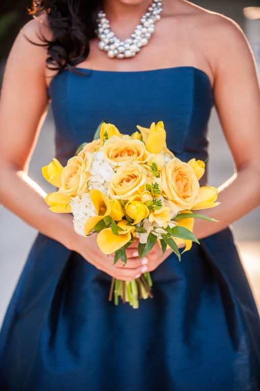 Union Station Tacoma Wedding || Photo: Genesa Richards Photography ||Yellow Bouquet: Jen's Blossoms