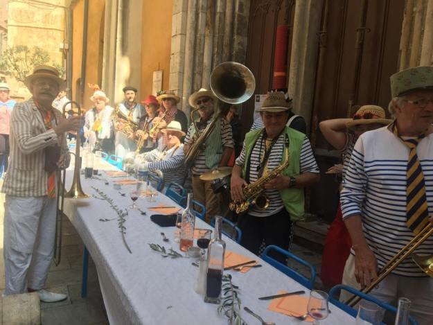 Déjeuner festif avec l'association Sou Fassum Grassenc 04