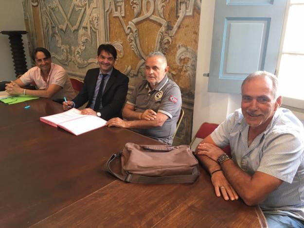 Signatures de conventions triennales avec les clubs sportifs grassois 01