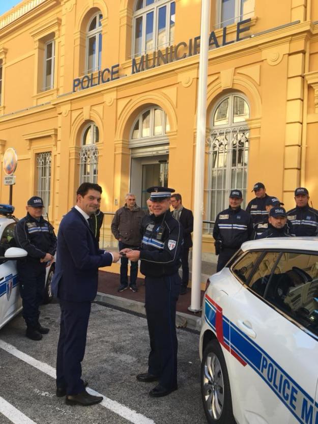 Livraison deux véhicules Renault Megane Estate pour la Police Municipale 01