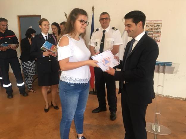 Fier de la classe Cladet de la Sécurité Civile du collège Carnot 03