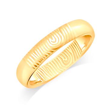 gold wedding band finger print