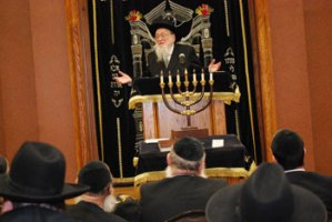 "The Kamenitzer rosh hayeshiva delivering a hesped for Rav Nosson Tzvi Finkel, zt""l, at Yeshiva Gedolah of Los Angeles."