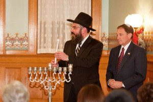 Utah Governor Gary R. Herbert and his wife Jeanette hosted Rabbi Benny Zippel and 150 guests from Chabad Lubavitch of Utah for a menorah lighting ceremony at the Governor's Mansion in Salt Lake City during the recent Chanukah holiday.