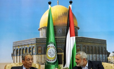 Former Arab League chief Amr Moussa meets with Hamas prime minister Ismail Haniyeh in Gaza City
