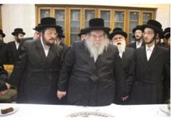 (L-R): Rabbi Aaron Mordechai Rokeach, Belzer Rebbe, and Sholom Rokeach, the chassan.