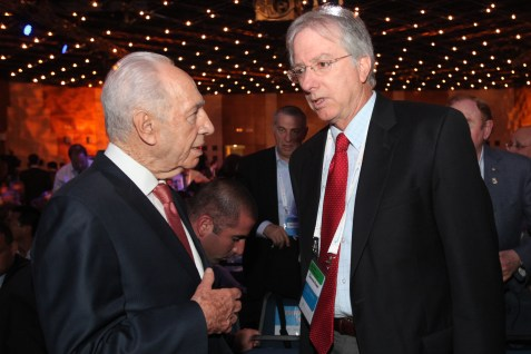Israeli President Shimon Peres and Ambassador Dennis Ross