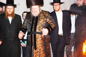 The Pittsburgher Rebbe dancing at a Lag B'Omer bonfire at a Los Angeles cheder.  (Photo credit: Rabbi Arye D. Gordon)