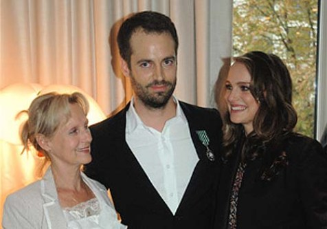 Left to Right: Catherine Flory-Millepied, her son, Benjamin Millepied, and her Jewish daughter-in-law, Natalie Portman.