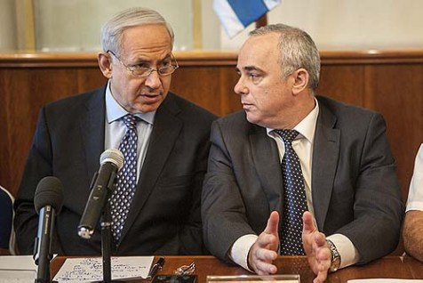 Prime Minister Benjamin Netanyahu with Finance Minister Yuval Steinitz.