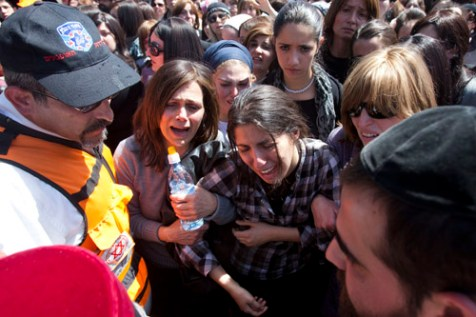 Mourners at the funeral for the victims of Monday's shooting in Toulouse in Jerusalem, March 21, 2012.
