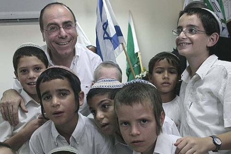 Israeli Deputy Prime Minister Silvan Shalom is Urging Tunisian Jews to leave while they can.