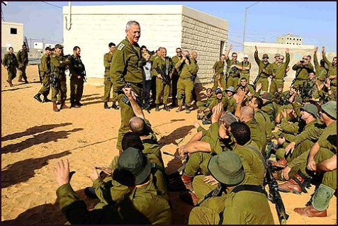IDF Chief of Staff Benny Gantz speaking with Israeli reserve soldiers at a base outside Gaza, November 18, 2012.