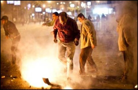pro_et_anti_morsi_clashes_07