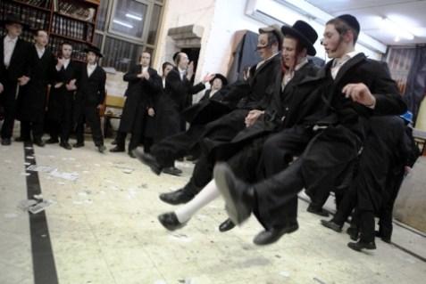 Dancing Hareidim.