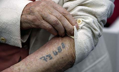 holocaust-tattoo