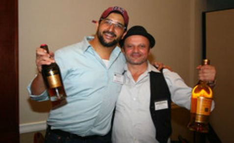 Two Jewish whiskey lovers at the 'Whiskey Jewbilee'
