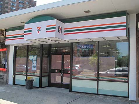 7-Eleven on Grand Street