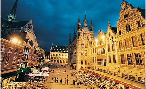 The Catholic University of Leuven, Belgium, will offer a degree in Islamic theology beginning in 2014.
