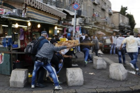 Arab riot at the Damascus Gate entrance to the Old City of Jerusalem. (archive)