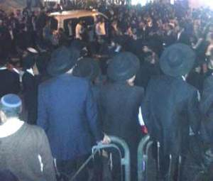 Jews of all stripes attended the funeral procession of Rav Yosef (Michael Davidson for The Jewish Press )