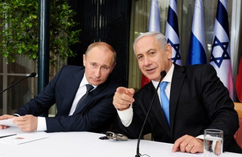 PM Benjamin Netanyahu with Russian President Vladimir Putin at Netanyahu's residence in Jerusalem on June 25, 2012.