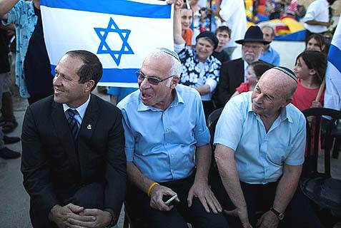 L-R MK Nissan Slomianski, Israeli Minister of Housing and Construction Uri Ariel and incumbent Jerusalem Mayor Nir Barkat.