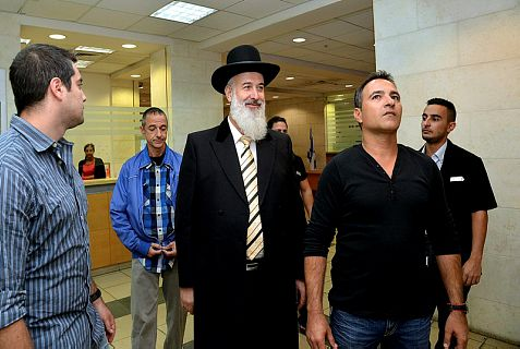 Police arrest former Chief Ashkenazi Rabbi Yona Metzger on suspicion of money laundering, bribery and obstruction of justice.