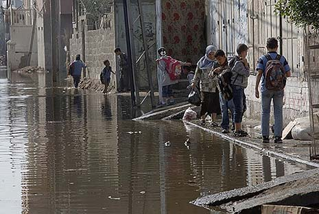 raw sewage in gaza street