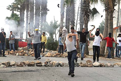 Palestinian rock throwers. (illustrative)