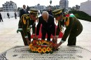 Arab League Secretary General lays wreath at the grave of Yasser Arafat