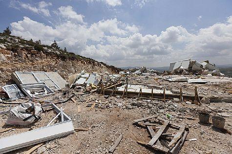 Demolition in the Samaria Jewish town of Yitzhar, April 2014.
