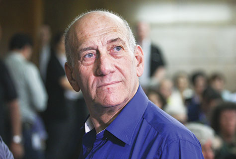Ehud Olmert at the District Court in Tel Aviv. (Photo by Ami Shooman/POOL/Flash90)