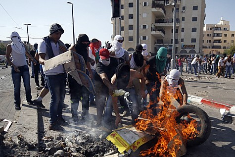 Arabs continue to riot and destroy things in Shuafat